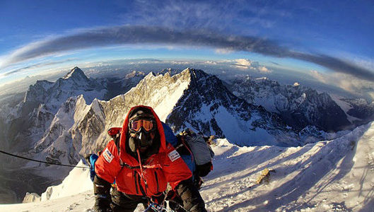 9 Sherpas reach the summit of Mt. Everest